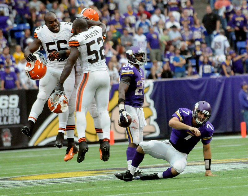 ". <p>1. MINNESOTA VIKINGS <p>There�s still six more games at the Metrodome, but you can turn out the lights now. (unranked) <p><b><a href=\'http://www.twincities.com/sports/ci_24152263/browns-31-vikings-27-minnesota-stays-winless-and\' target=""_blank\""> HUH?</a></b> <p>  <p>OTHERS RECEIVING VOTES <p> Emmy Awards, Arian Foster, Huma Abedin, Miley Cyrus, O.co Coliseum sewage leaks, Blackberry, Ted Cruz, Arizona State Sun Devils, Pope Francis, Chicago, Katy Perry, Mars, Chris Brown, Jon Gosselin, Jeff Driskel, iPhone 5s and 5c, Washington Redskins, Obamacare, Aldon Smith, Cal Clutterbuck, Troy Polamalu�s hair, M.I.A., Prince Fielder, Matt Carpenter, Ty Warner, Zac Efron, Bashar Assad, quantitative easing. <p>  (Pioneer Press: Sherri LaRose-Chiglo)  <br><p>Follow Kevin Cusick on <a href=\'http://twitter.com/theloopnow\'>twitter.com/theloopnow</a>."
