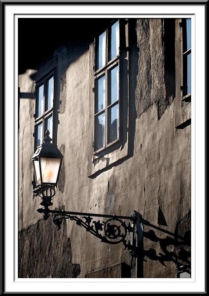 house-lamp (56495787).jpg