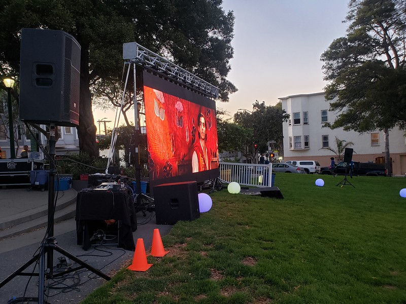 led wall outdoor movie.jpg