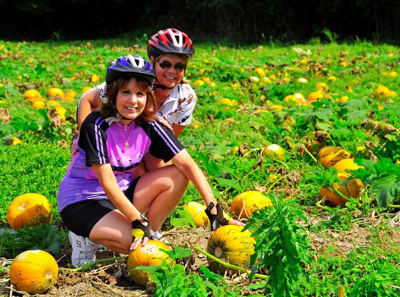 pumpkin patch kids, Gloria and Sue