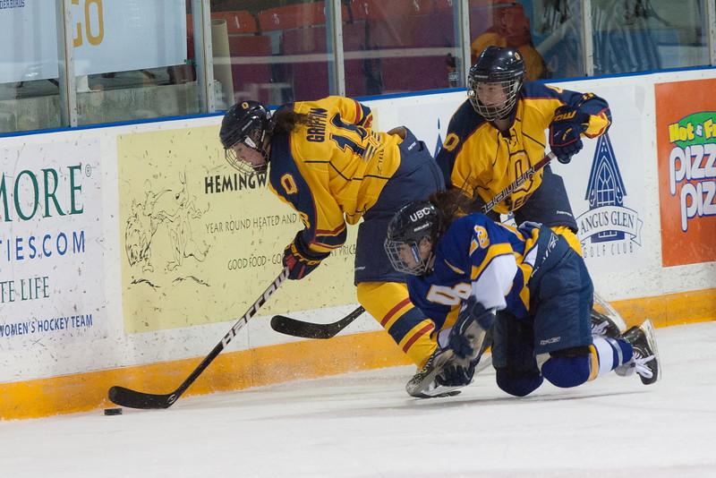 20130310 QWHockeyvsUBC 223.jpg
