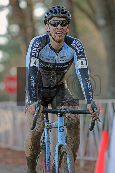 Merwin Davis (4) competes in the NC Cyclocross North Carolina Grand Prix at Jackson Park in Hendersonville, N.C., on Nov. 24, 2019