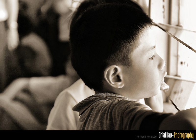 I noticed some kids are looking outside the window... and I wonder what is on their mind now. (Emmm...)