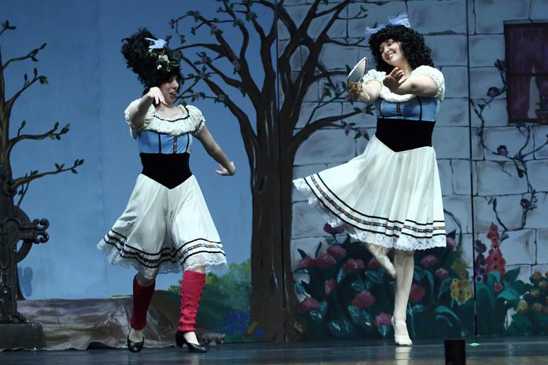 dance_050209_371.jpg