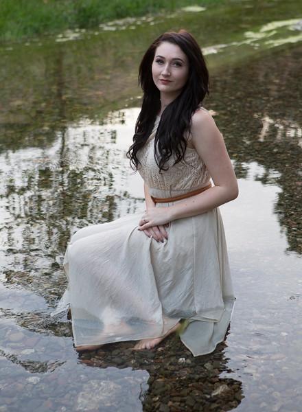 Abby Portrait Round Valley-_85A7116-.jpg