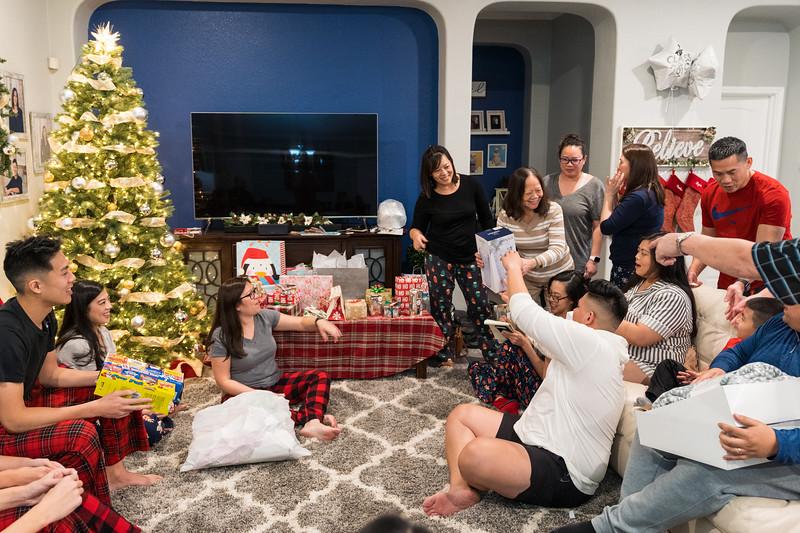 20191225_christmas-ho-family_038.jpg