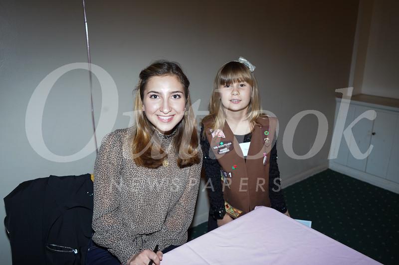 09290 Princess Cole Fox and Victoria Wiweke.jpg