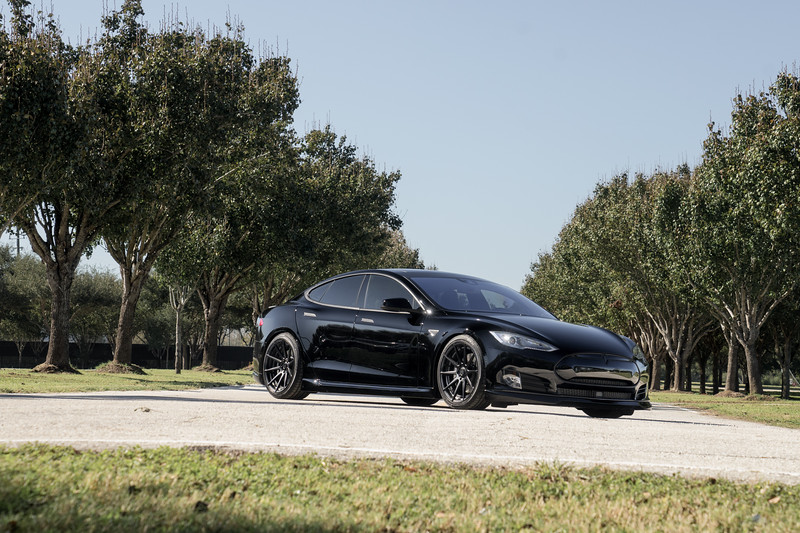 Danh_Phan_Tesla_Model_S-2.jpg