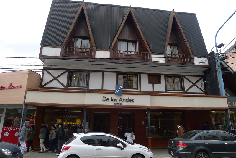 located on the main drag in Ushuaia and walking distance to explore the local scene and the port,  very comfortable and not expensive.