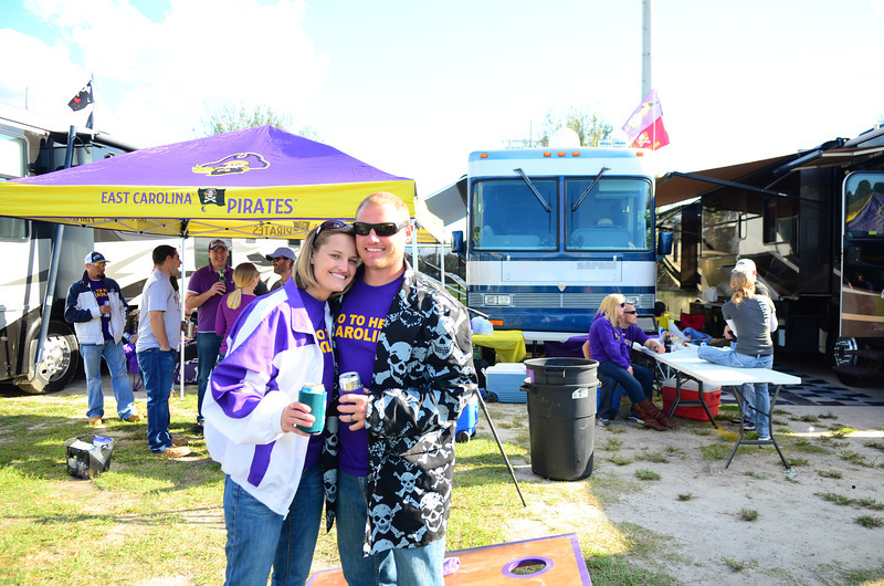 10/1/2011 ECU vs North Carolina  Stephanie, JG