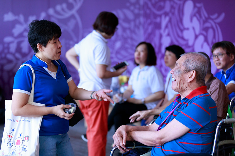 VividSnaps-Extra-Space-Volunteer-Session-with-the-Elderly-129.jpg
