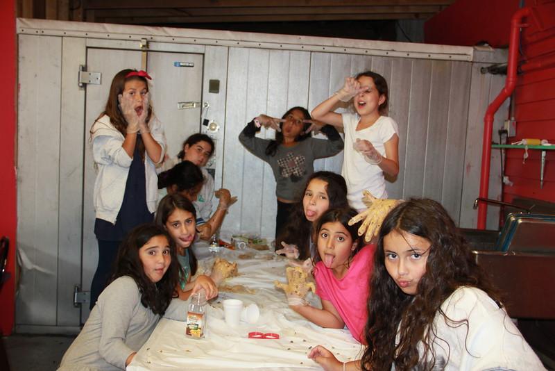 kars4kids_thezone_camp_girlsDivsion_activities_baking (97).JPG