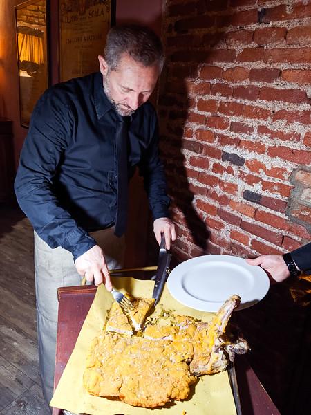 milan food cotoletta-3.jpg