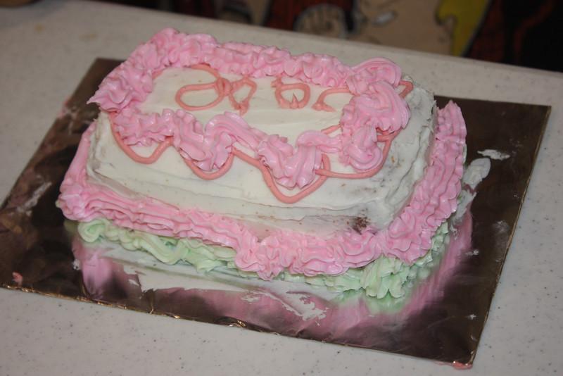 Mid-Week Adventures - Cake Decorating -  6-8-2011 145.JPG