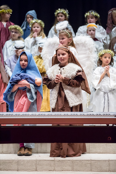1st grade Christmas program (15 of 49).jpg