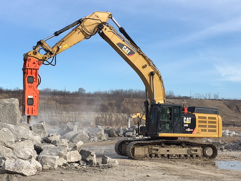 NPK GH18 hydraulic hammer on Cat 349F excavator - Sidwell Materials (Murphy Columbus)  12-17 (1).JPG