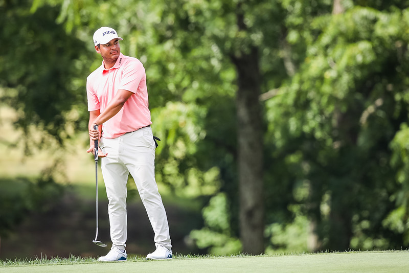 Sebastian Munoz reacts to missing his putt on the 11th green.