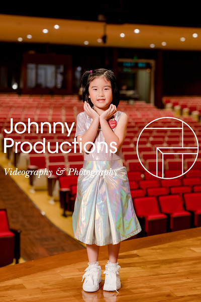 0071_day 1_orange & green shield portraits_red show 2019_johnnyproductions.jpg