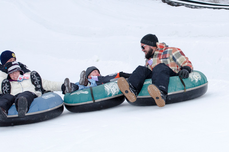 Opening-Day-Tubing-2014_Snow-Trails-71006.jpg
