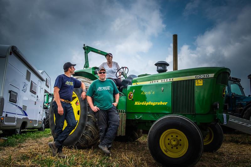 Tractor Pulling 2015 XE2-2487.jpg