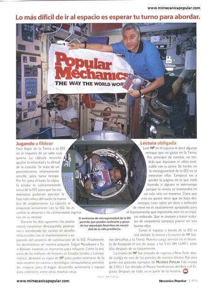 la_primera_revista_en_el_espacio_agosto_2001-04g.jpg