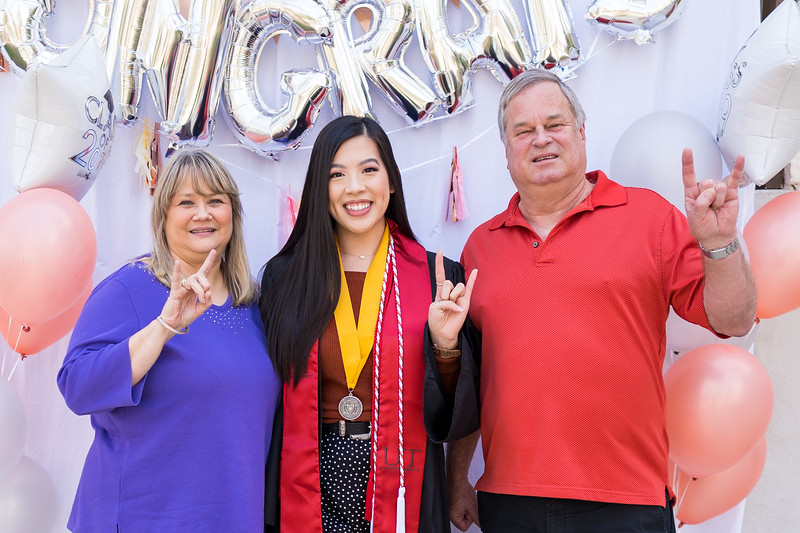 20191208_emilie-ut-grad-party_031.jpg