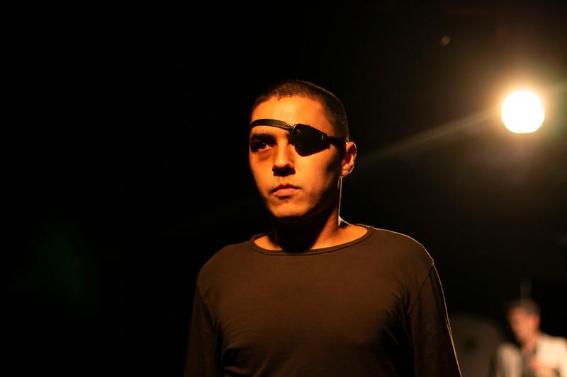 Allan Bravos - Fotografia de Teatro - Indac - Migraaaantes-293.jpg