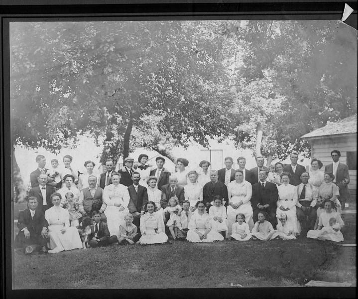 July 20 1911 Davis Reunion at Uncle Charlie Davis near Cashup WA b.jpg