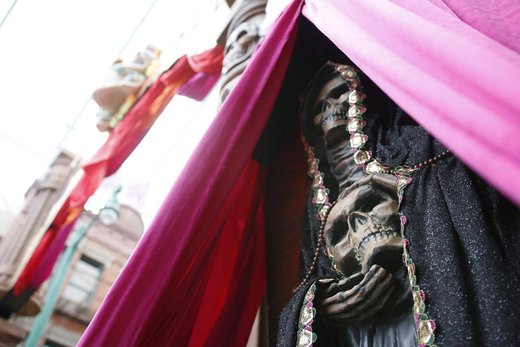 Universal Studios Singapore - Halloween Horror Nights 6 Before Dark Day Photo Report 2 - March of the Dead, skeleton maiden
