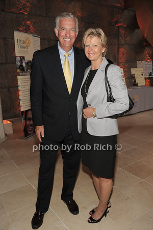 Craig Clausen, Lynn Clausen   photo  by Rob Rich © 2014 robwayne1@aol.com 516-676-3939