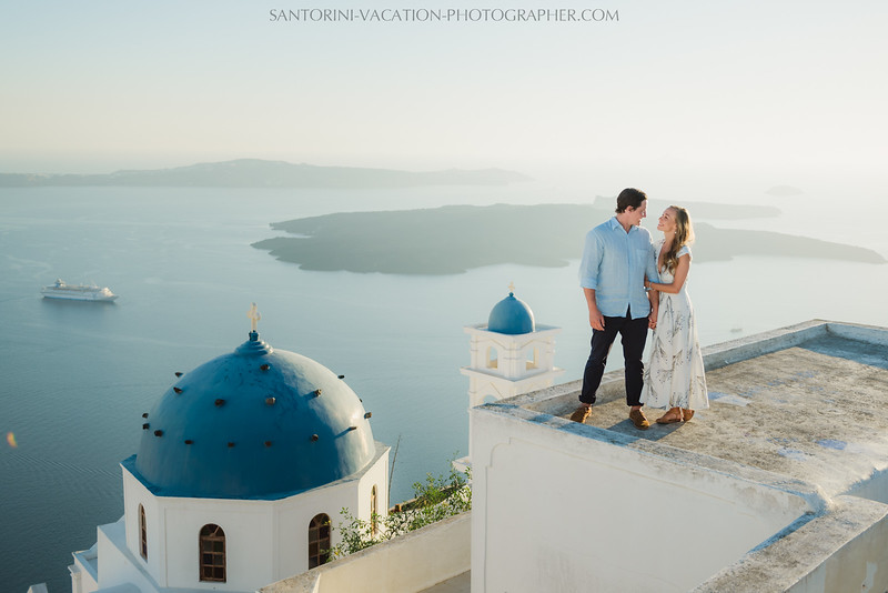 santorini-sunset-photo-session-couples-shoot-.jpg
