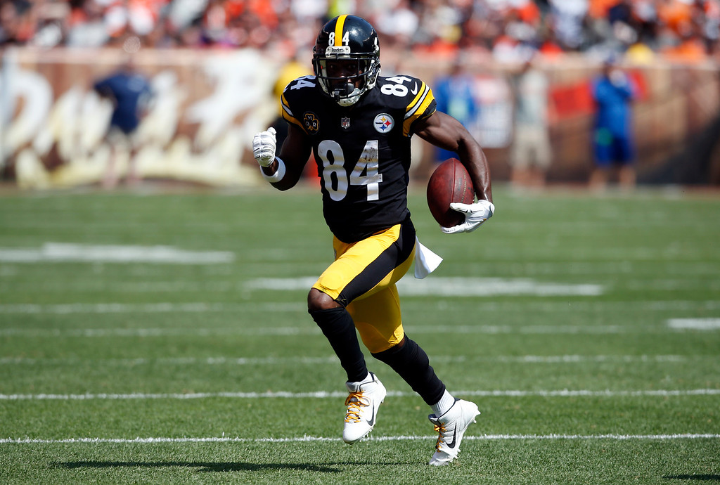 . Pittsburgh Steelers wide receiver Antonio Brown (84) runs after a pass reception during the first half of an NFL football game against the Cleveland Browns, Sunday, Sept. 10, 2017, in Cleveland. (AP Photo/Ron Schwane)