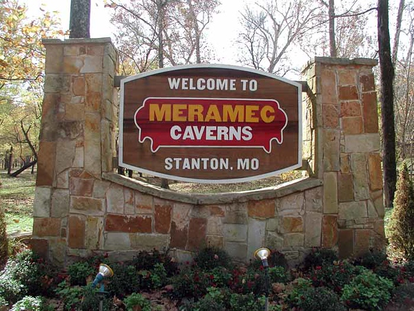 MERAMEC CAVERNS WELCOME SIGN Meramec Caverns, Stanton, Missouri