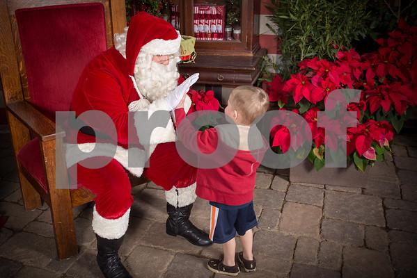 Rogers Gardens 2015 Santa Photos