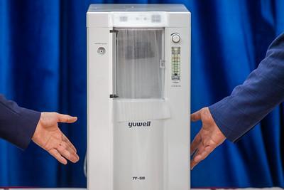 Хүчил төрөгч өтгөрүүлэгч 250 ширхэг төхөөрөмжийг орон нутгийн эмнэлгүүдэд хүлээлгэн өгөх арга хэмжээ боллоо