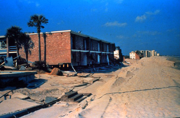 . A motel on the beach at Garden City, South Carolina After passage of Hurricane Hugo in 1989. Martin Lerner, C.S.P. NOAA\'s National Weather Service (NWS) Collection