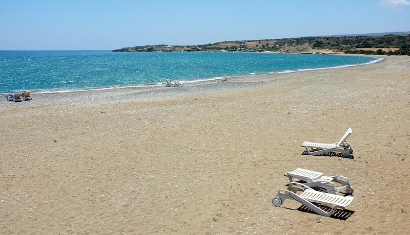 Avdimou beach - crowded as ever!