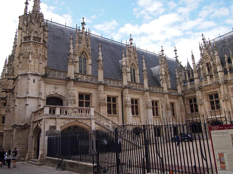 P7276363-parliament-of-normandy.JPG