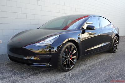 Tesla Model 3 - Solid Black 5