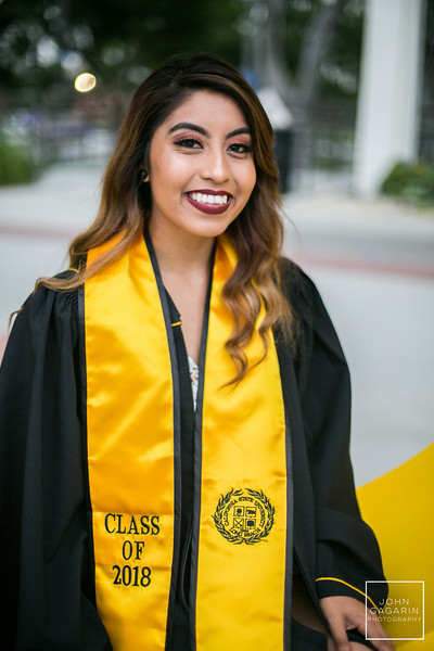 Yayaira Grad Session Preview 5.29.2018