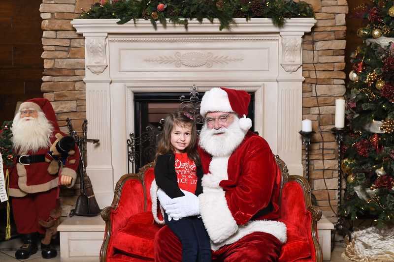 Santa2018.TylerBoye.-19.jpg