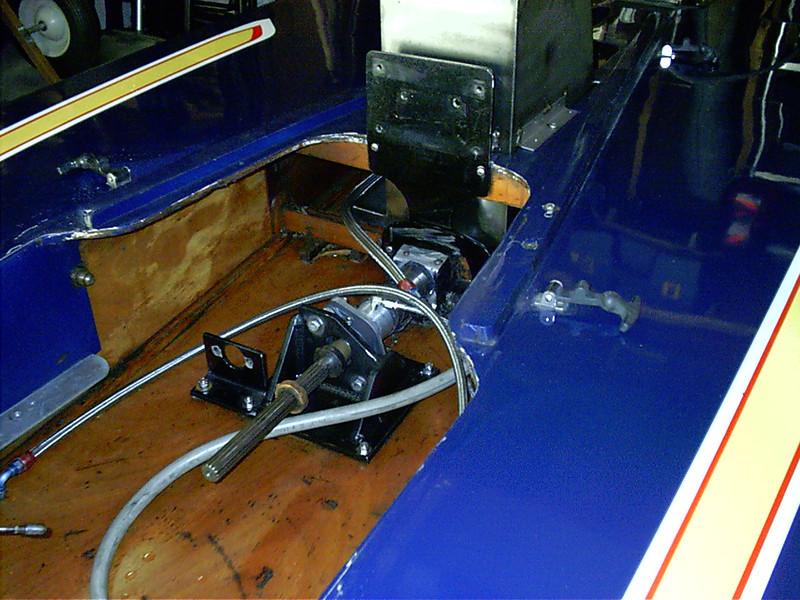 Thurst bearing and oil tank mount.