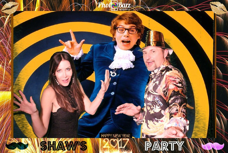 Shaws NYDay Party (29).jpg