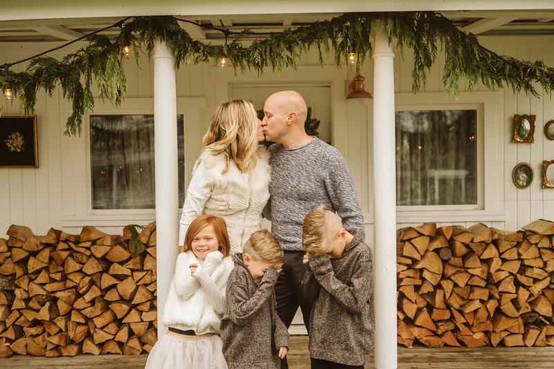 Schmidt Christmas Mini Session 2018-16.jpg
