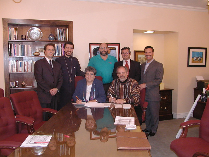2006-12-18-La-Roche-Property-Contract-Signing_002.jpg