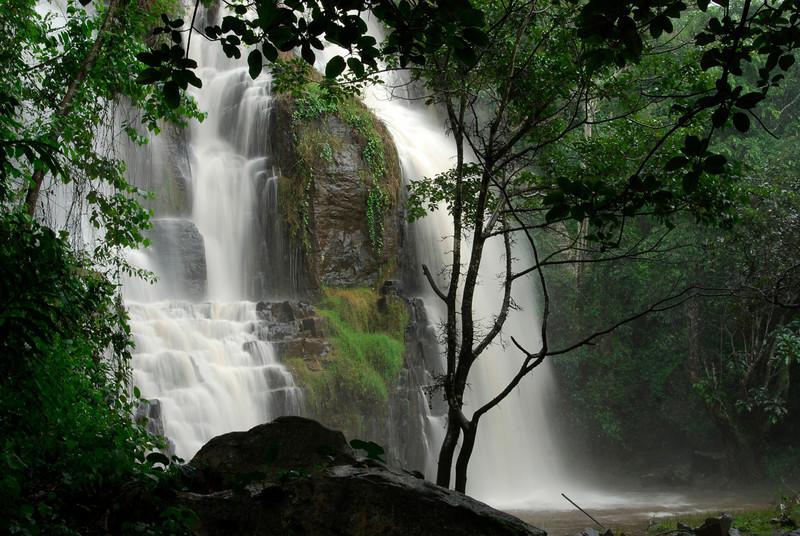 070115 4437 Burundi - Karera Falls _E _L ~E ~L.JPG