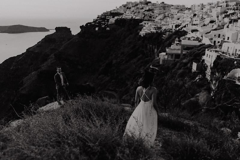 Tu-Nguyen-Destination-Wedding-Photographer-Santorini-Elopement-Alex-Diana-182a.jpg