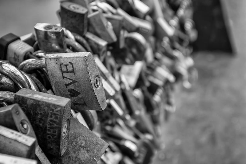 Love locks.JPG