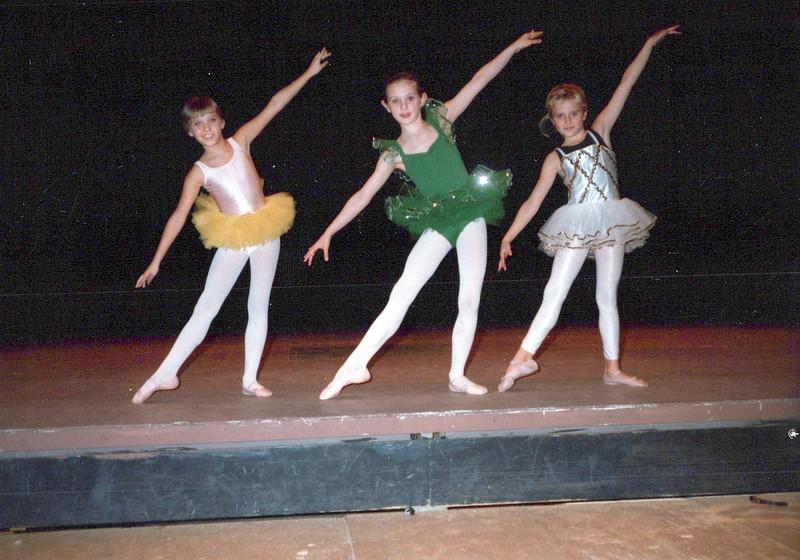 Dance_1975_a.jpg