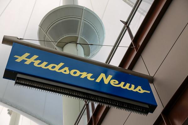 Hudson News, Jeppesen Terminal, West Side, Level 5
